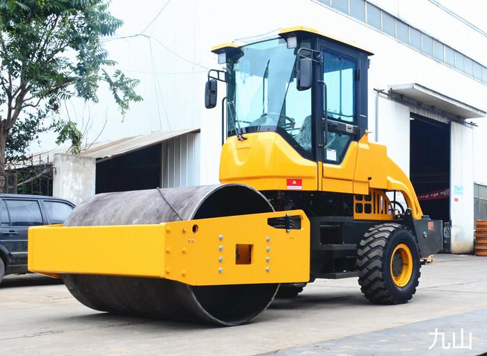 單鋼輪十噸壓路機-單鋼輪-山東九山重工