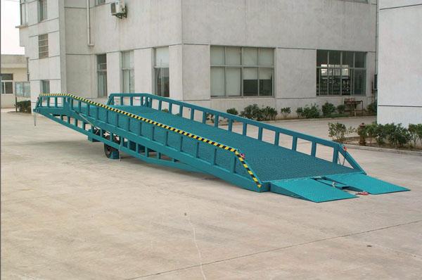 強峰升降機誠信經營-集裝箱移動式裝卸平台供貨商