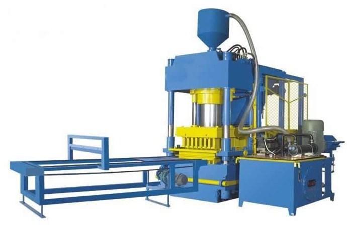 东辰机械(图)-彩砖机没备-彩砖机