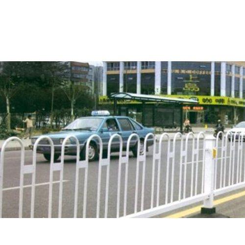 马路围栏形状 马路围栏安装 隔离马路围栏网 桂吉