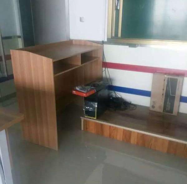 中牟儿童课桌椅厂家直销、课桌、科普黑板