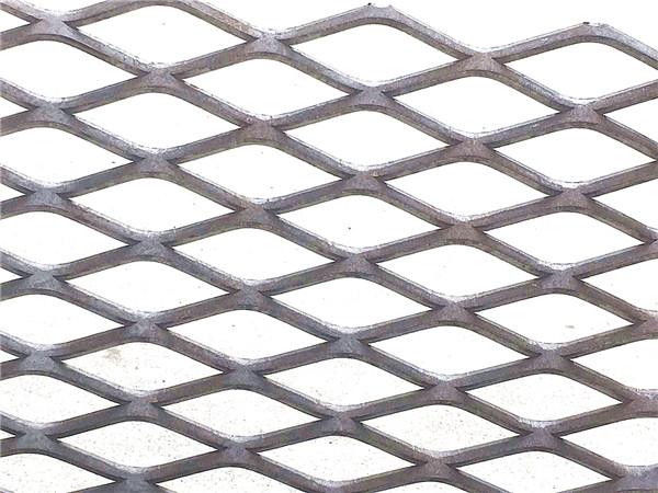 钢板网 防滑脚手架踏板网、江门钢板网、冀乐钢材