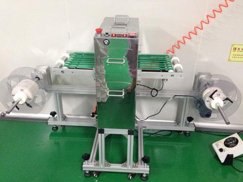伟盟、光学膜片两用除尘机,光学膜除尘机公司,光学膜除尘机