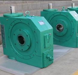 PWL225带冷却水管减速机销售