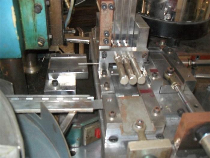 合页组装机设备生产商_合页组装机设备_望兴自动化行业标杆