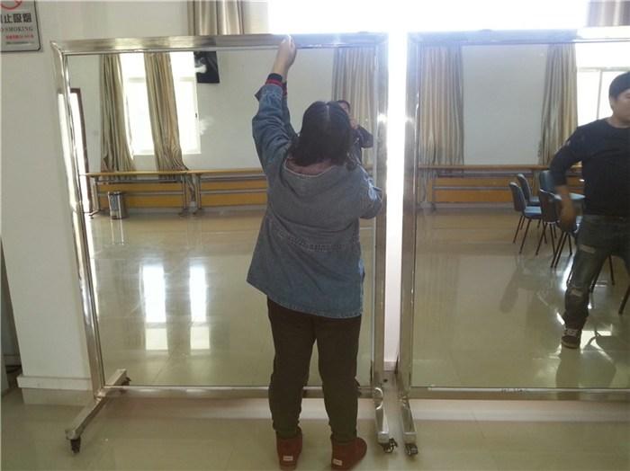 西乡镜子_深圳顺达艺移动镜子_焊接不锈钢边框镜子