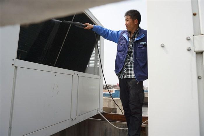 正规中央空调维修图片/正规中央空调维修样板图 (1)