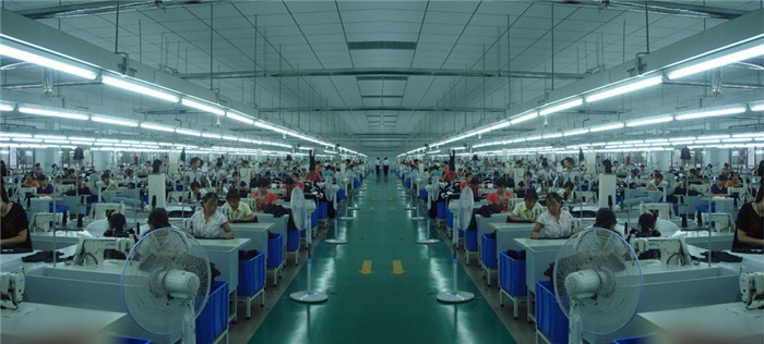 t恤服装加工厂|广州草根服装|服装加工