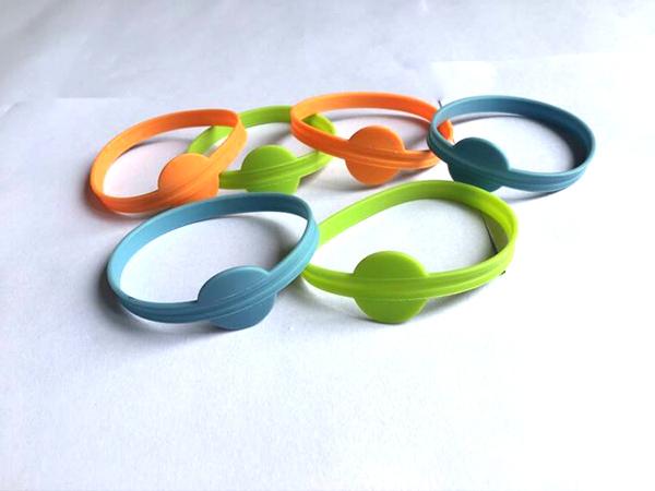 运动硅胶手环 儿童专用硅胶手环报价