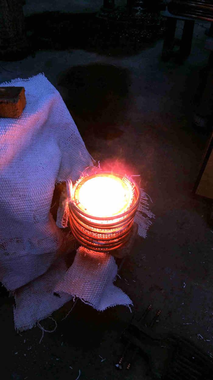 灵宝中频熔炼炉、高频焊机、最节能中频熔炼炉