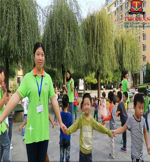 荆州补习班|托马斯独家教材辅导|少儿英语补习班