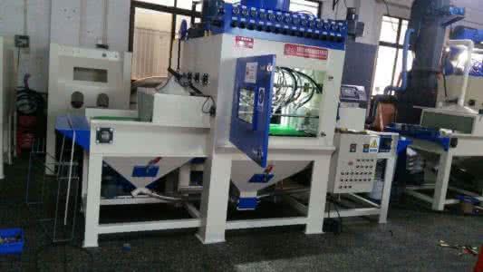 自动喷砂机供应商|华亿喷砂机械设备|自动喷砂机