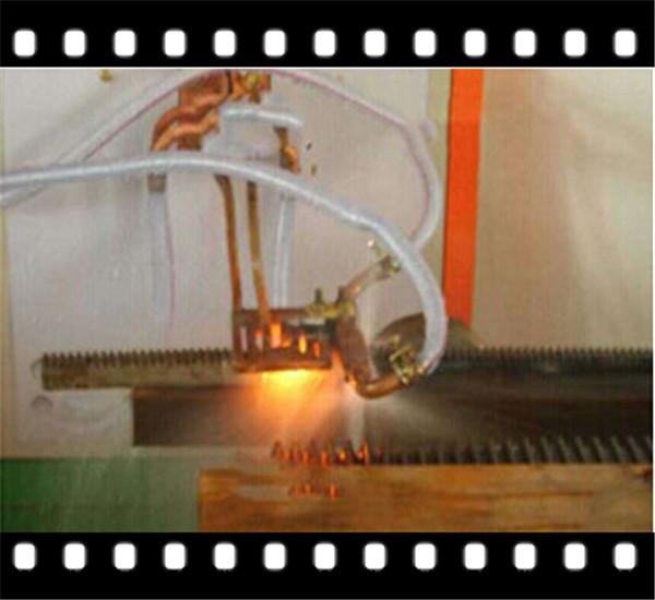 江西加热炉|领诚|大针轮内圈表面淬火中频加热炉