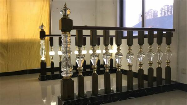 水晶立柱,科隆樓梯款式多樣,水晶立柱供應商