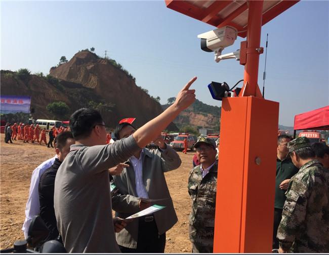交通路口太阳能语音警示电子杆-澳盾林业安全设备专家