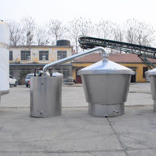 白酒蒸馏设备 全自动蒸馏设备 久鼎 高粱蒸馏设备报价