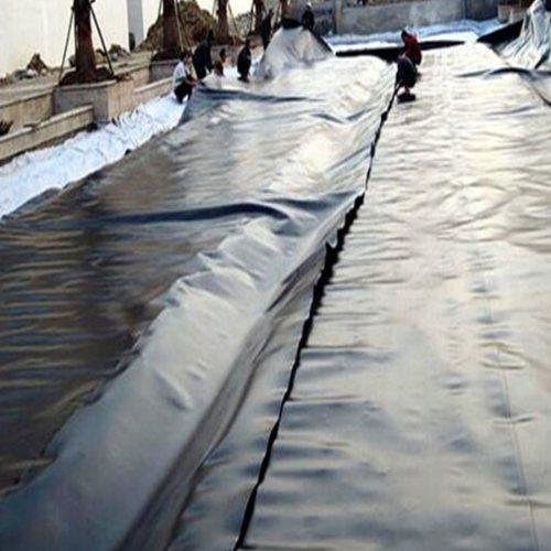 鱼塘防水膜国家标准 山东宏川 两布一膜防水膜怎么铺设 防水膜