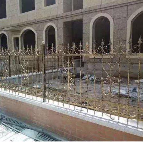 平轩金属 定制铸铁围栏规格 定制铸铁围栏采购