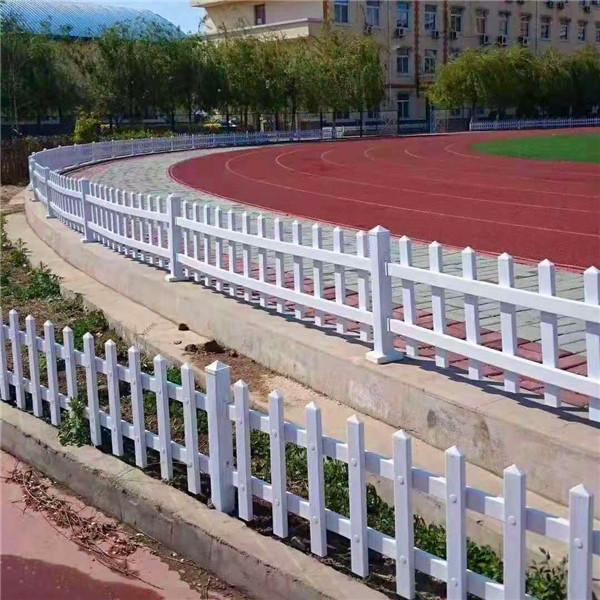 平轩金属 生产pvc市政护栏型号 pvc市政护栏说明