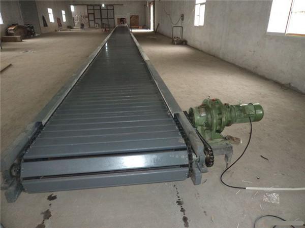 废钢槽钢链板输送机-宏达输送-槽钢链板输送机
