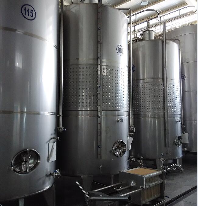 蓬莱发酵罐、离心泵制造商一洲机械、发酵罐安装