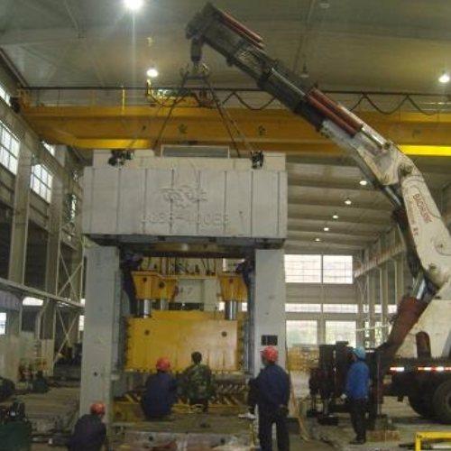 起重吊装 冷水机组机器搬迁服务 油压机机器搬迁价位