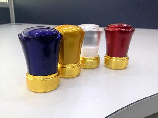 彩涂新型铝塑组合盖中盖酒瓶盖报价