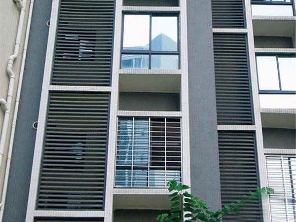 专业空调罩百叶窗图片