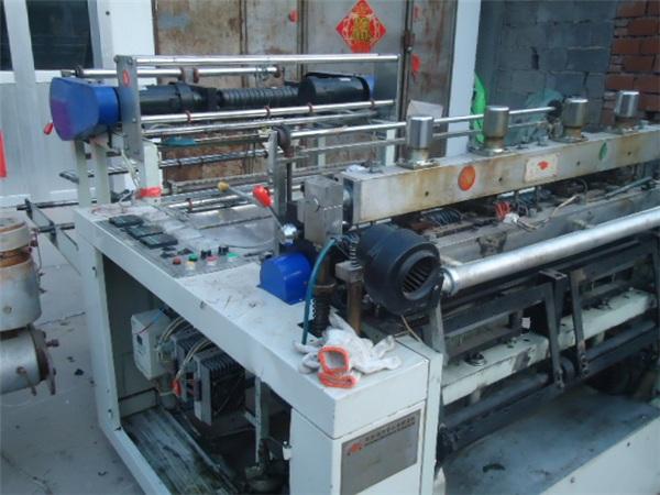 昌邑吹膜机、华东塑料机械、pvc吹膜机厂家