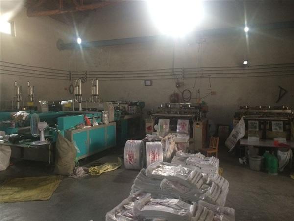 宿州制袋机、日照华东塑料机械、二手 制袋机