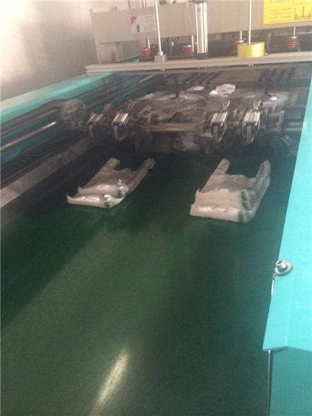 莒县华东塑料机械(图)、供应二手制袋机、汉中制袋机