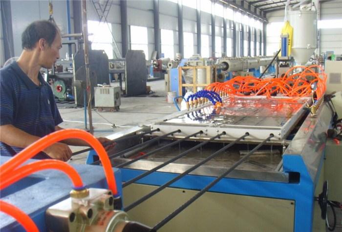 青岛塑料板材设备、青岛吉泰塑机、塑料板材设备规格型号