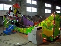 金山娱乐机械(图)_弯月瓢车生产厂家_弯月瓢车