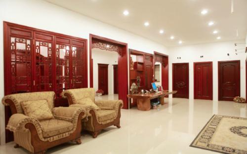 酒店固装家具木饰面板专业生产厂、南京饰面板、东港(查看)