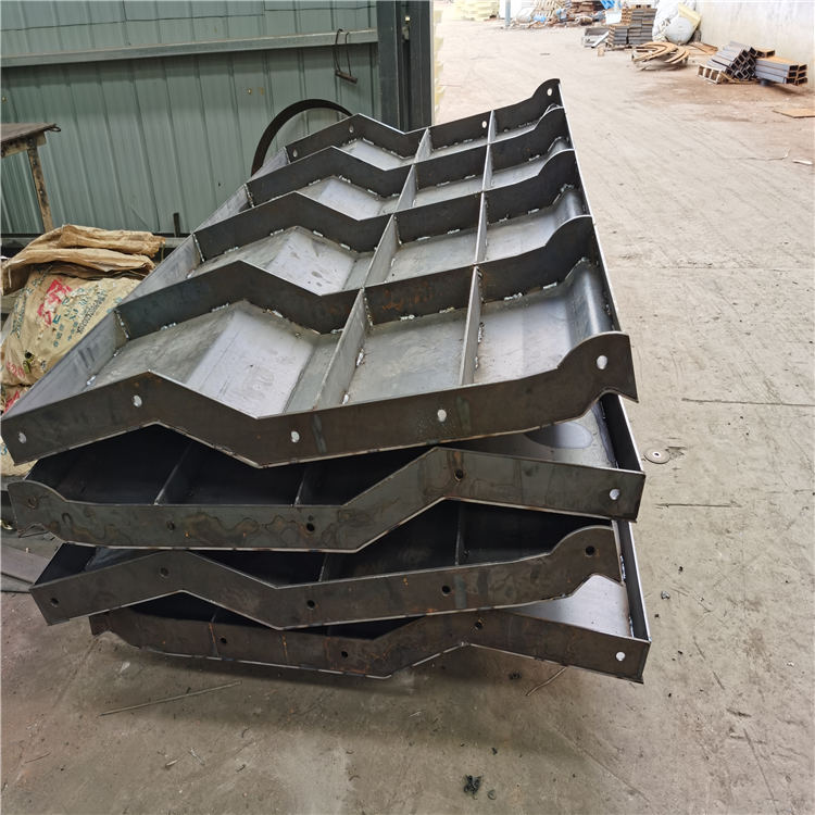 鑫火模具 混凝土防撞墩模具制造厂 道路防撞墩模具